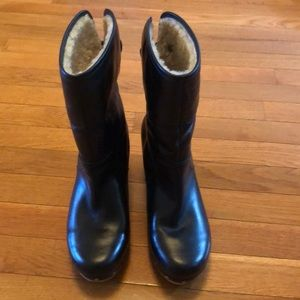 UGG Shoes - UGG Lynnea shearling lined clog boots, size 8.